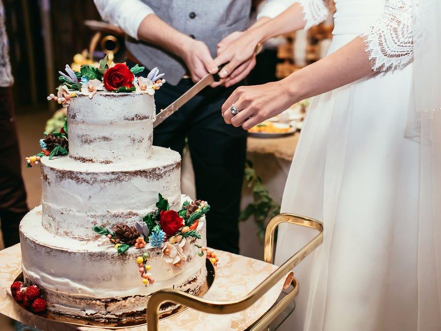Ordering Wedding Cakes